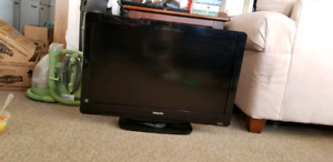 """32"""" 1080p TV and Samsung sound bar and Sub, pick up only."""