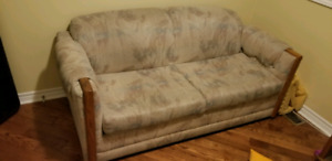 Couch with pull out bed