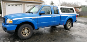 2009 Ford Ranger with cap