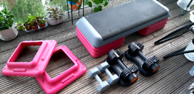Home fitness equipment set (bench and 2 pairs of dumbbells)