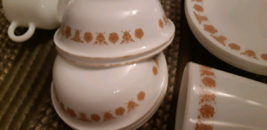 Vintage 36 piece Butterfly Gold corelle dishes