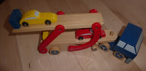 Wooden 2-tier car transporter with 2 vehicles