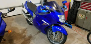 CBR 1100XX Blackbird - WANT GONE ASAP - MAKE AN OFFER!