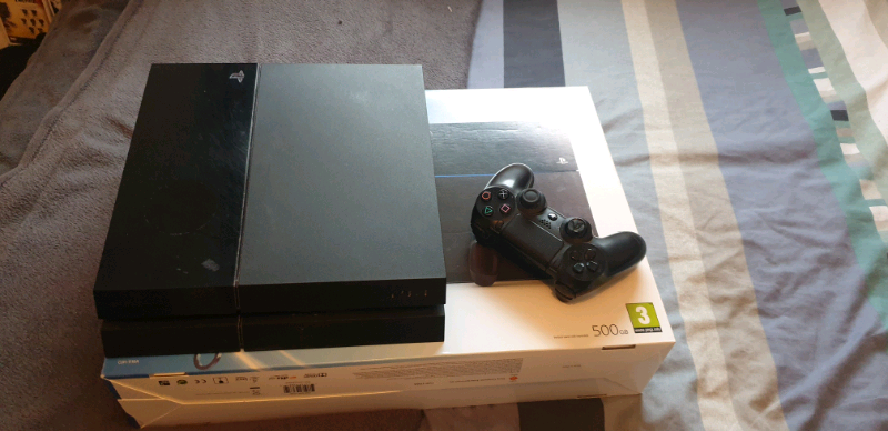 500 GB ps4, controller and 2 games | in East End, Glasgow | Gumtree