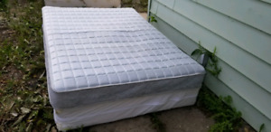 Mattress and Boxspring (double size)