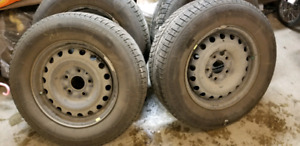 Michelin X ice Winter Tires and Rims 225 65 16