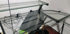 L- Shaped Glass table desk Brand new Condition