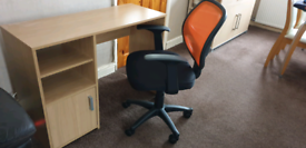 BEECH COLOURED DESK BRAND NEW AND BRAND NEW RISE & FALL OFFICE CHAIR
