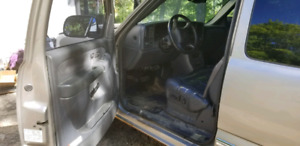 1999 GMC Sierra 1500 extended cab for parts
