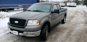 2004 Ford F150 XLT . 4WD