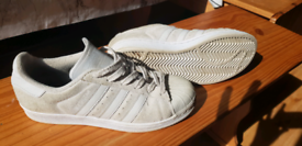 Adidas superstars, size 6 women