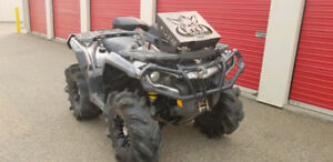 2012 Can-Am Outlander 1000 XT Special Edition - 1,100 km ONLY!