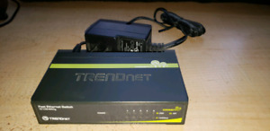Fast Ethernet Switch by Trendnet, Internet connection splitter