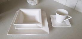 20 piece Porcelain China / Crockery set 4 servings