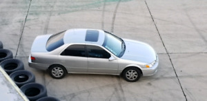 Toyota Camry LE 2001 (4 cyl.) PNEUS HIVERS NEUF