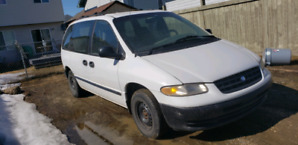 1998 Plymouth Voyager Van