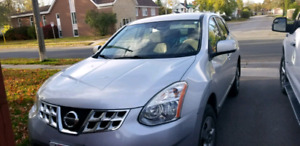 2012 Nissan Rogue SUV. Low Kms.