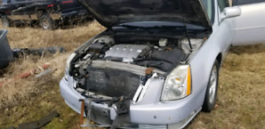 Cadillac DTS damaged