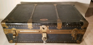 Eatonia Vintage trunk