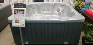 Floor Model Hot Tub PRICED TO MOVE!!