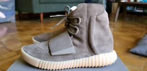 "LIKE NEW ADIDAS YEEZY 750 ""CHOCOLATE"" SIZE 9"