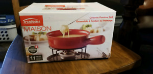 Never opened 11-piece cheese fondue set
