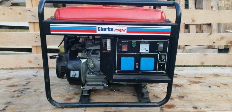 Clark fg3000 petrol generator | in Swansea | Gumtree