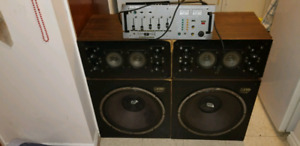 Audiosphere deejay speakers with mixing board