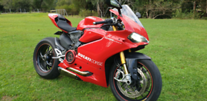 2016 DUCATI PANIGALE 1299S LOADED WITH EXTRAS