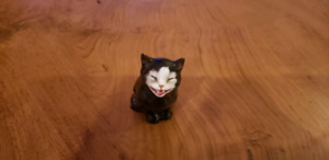 Royal doulton lucky cat k12