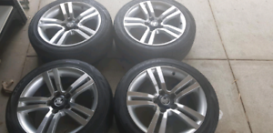 4x 245 / 45 / R18 VE ss Holden wheels and tyres