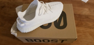 New Yeezy Boost 350 V2 Triple White Size 10.5 US