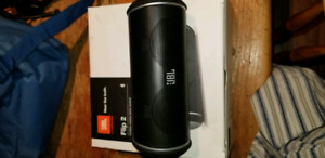 Jbl flip 2 bluetooth speaker like new
