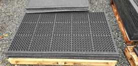New Large Rubber safety mats for factories & Climbing frame 90x150mm