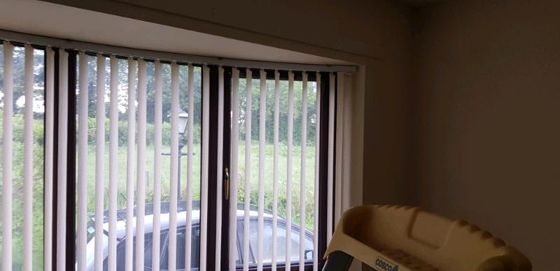 Bay Windows Vertical Blinds In Toomebridge County