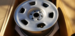 "16"" steel GM wheels rims"