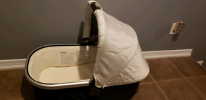 Uppababy bassinet in cream color