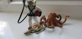 Aquarium deep sea diver (5 inches tall) with air bubbles, and octopus.