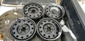6x135 17x7.5 Winter Steel Wheels- Like Brand new !