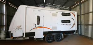 Caravan Expanda Outback