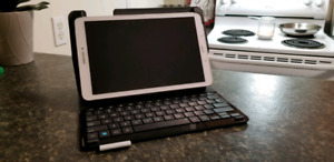 "Samsung Tab E 8"" 16BG with Logitech Bluetooth Keyboard/Case"
