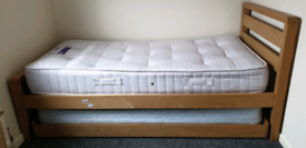 Single Day/Trundle Bed with mattresses