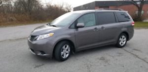 2011 TOYOTA SIENNA LE SUPER CLEAN READY TO GOO