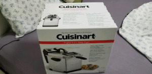 BRAND NEW digital cuisinart 3.2l stainless steel deep fryer 90$