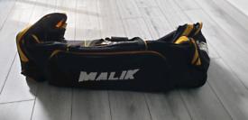 MB malik wheelie cricket bag