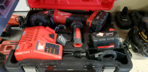 Milwaukee M18 Brushless Grinder with 2 XC 4.0 Batteries