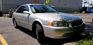 Toyota Camry LE 2001  2.2L *A.C & SUNROOF