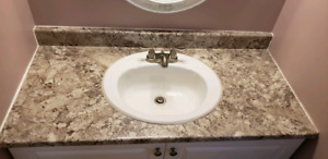 2 Sinks and Faucets - Excellent Condition