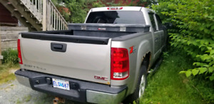 SOLD.   2007 GMC Sierra SLE 5.3L