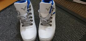 Voi white boots